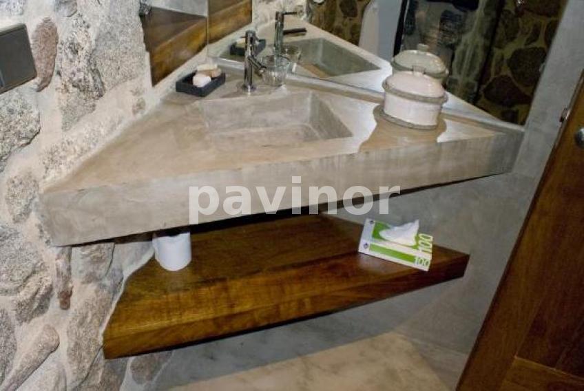 Realizaci n de un lavabo en esquina para aprovechar el espacio pavinor microcemento y - Lavabo de esquina ...