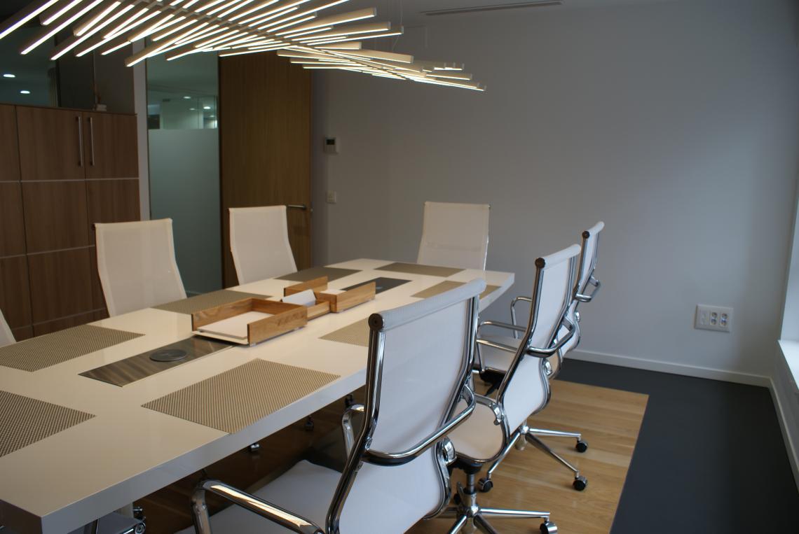Despacho de abogados con suelo de microcemento