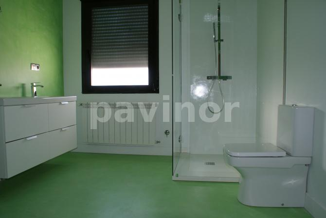 Baño en microcemento color verde