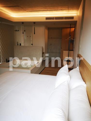Microcemento para en baño y jacuzzi para el Hotel Serra de Outes